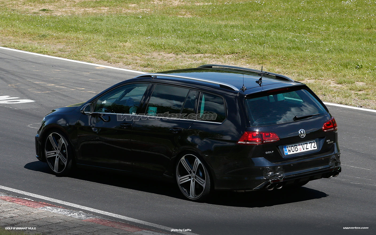 vw-golf-r-variant-mule-383