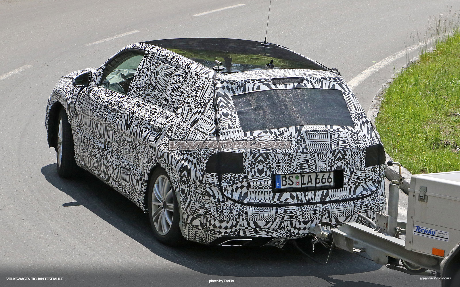 Audi-Q2-test-mule-4927