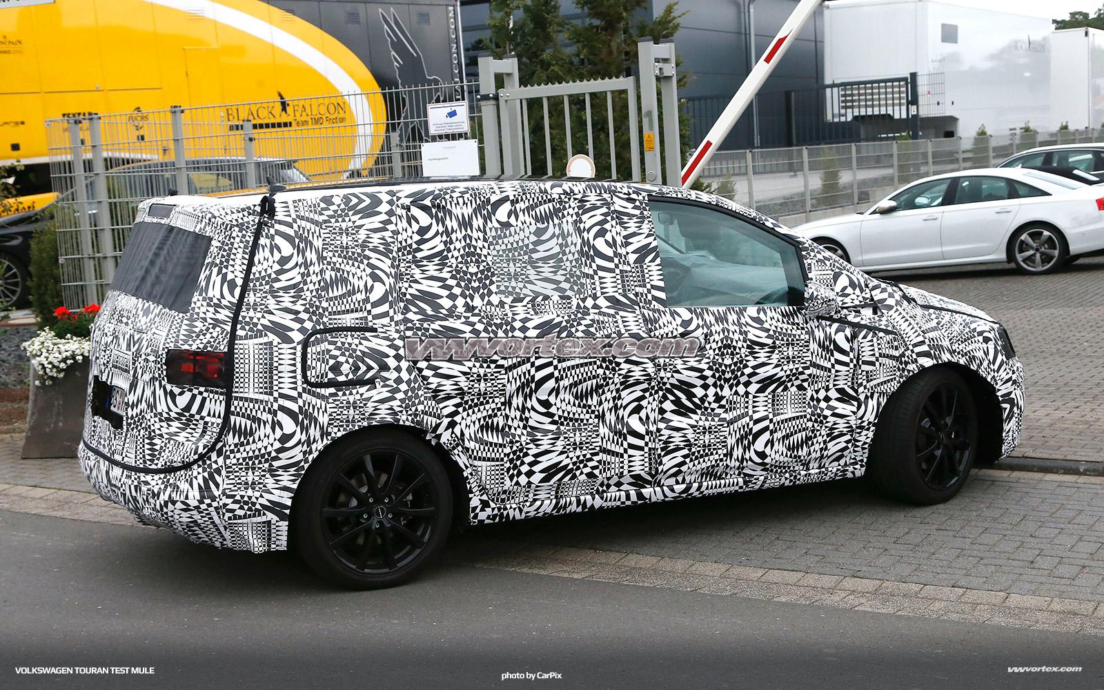 VW-Touran-5