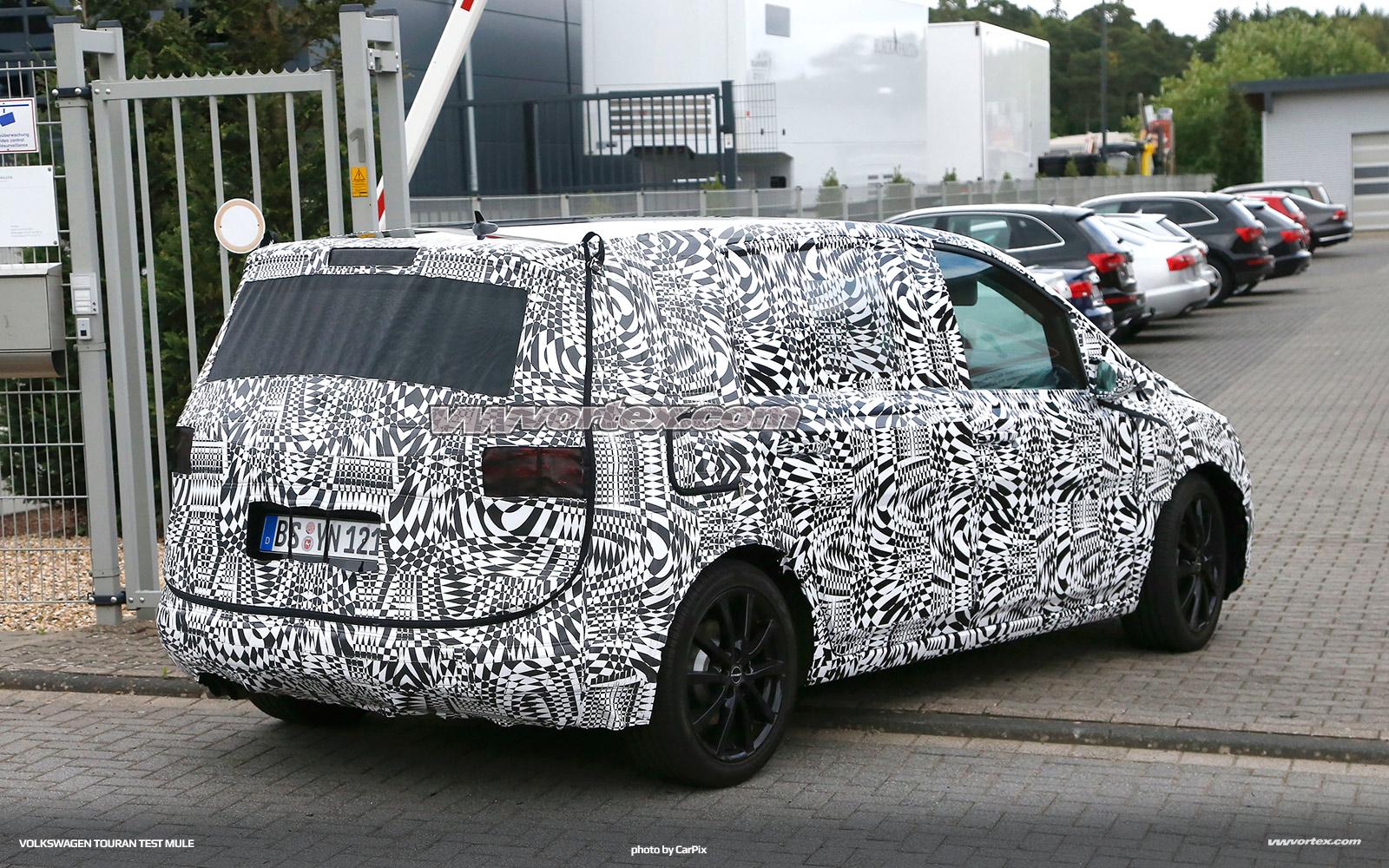 VW Touran 6 600x375