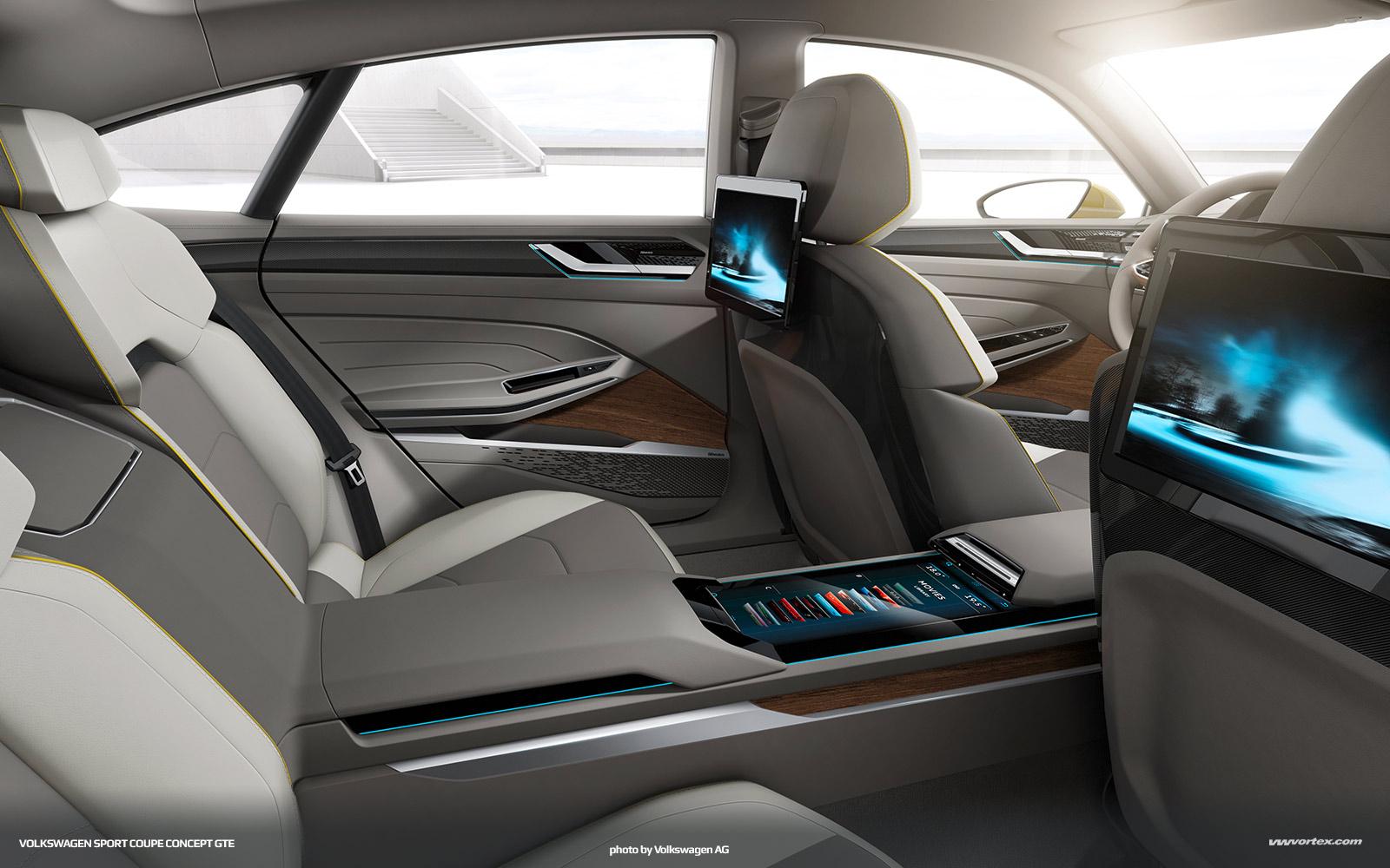 audi quattro concept driven 029 600x300 photo