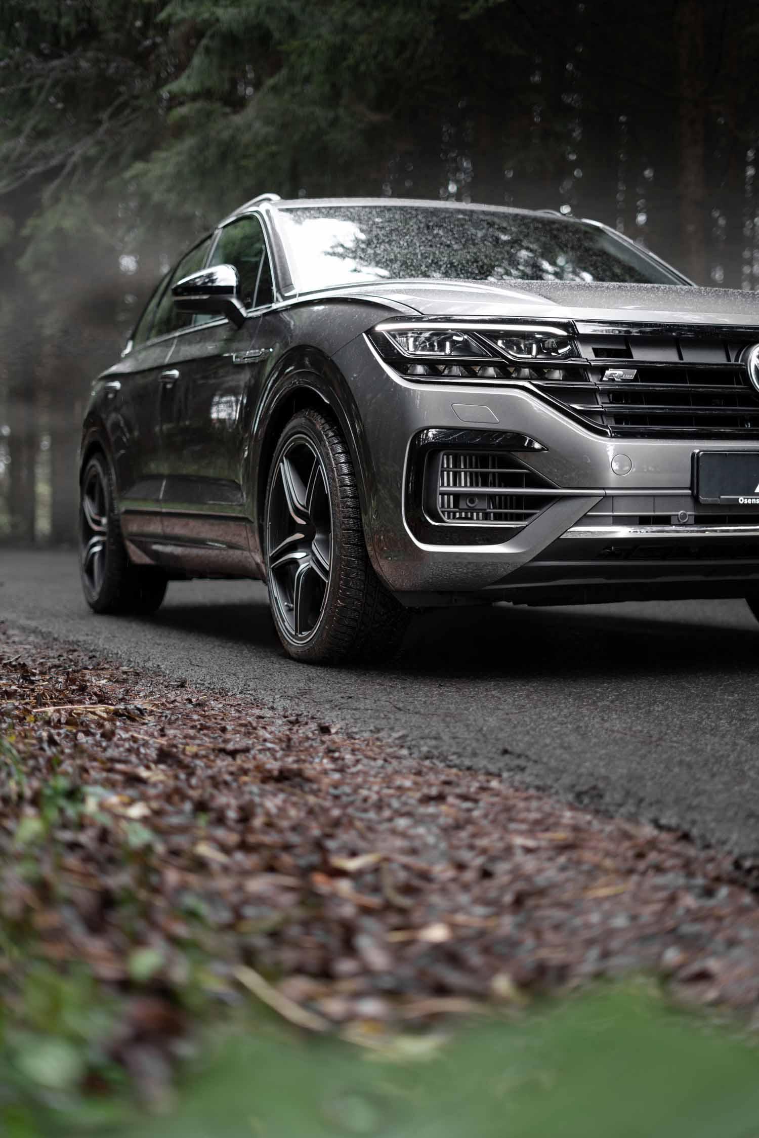 VW_Touareg_grey_FR22-8