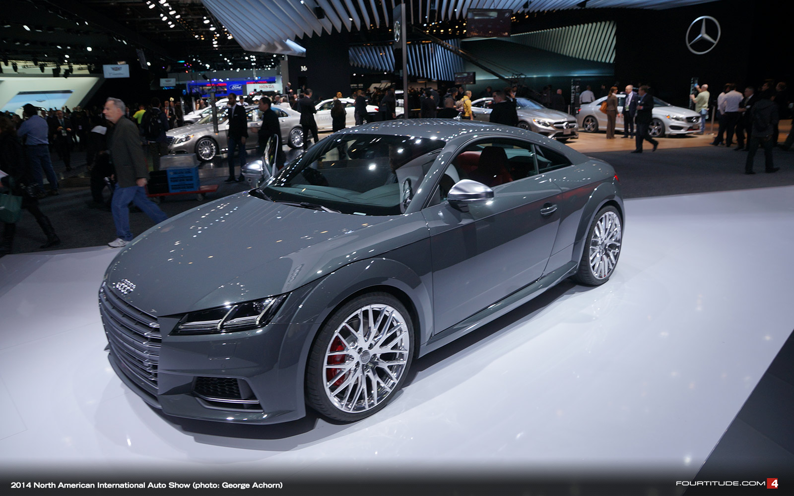 2015-Detroit-Auto-Show-NAIAS-Audi-411.jp